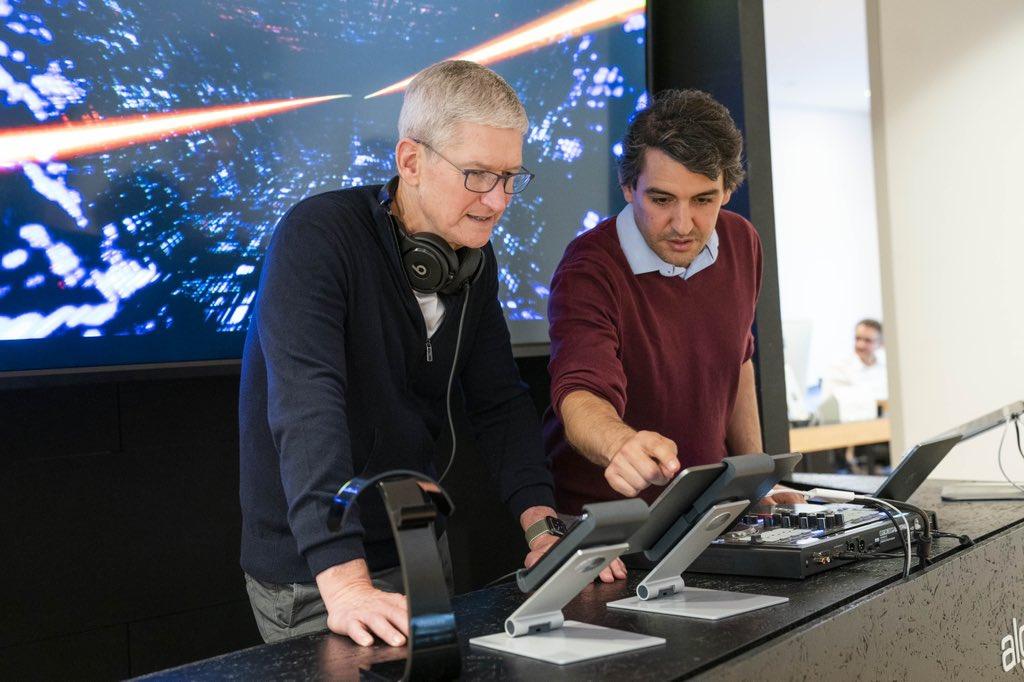 Im September 2019 war Apple-Chef Tim Cook in München zu Gast und besuchte Algoriddim. Foto: Apple